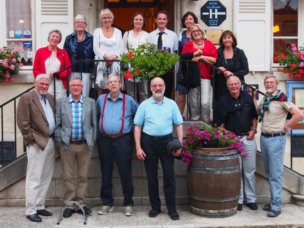 Gruppe på opplevelsestur med vinsmaking i Chablis